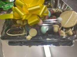 Cestino di cioccolata rettangolare con cioccolatini